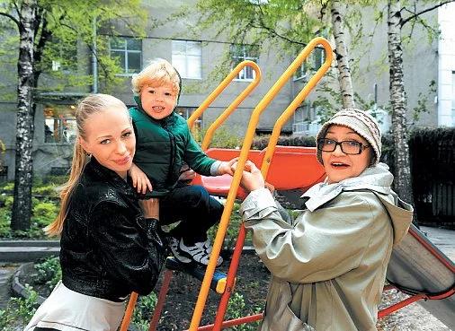 Нина Русланова с дочерью и внуком