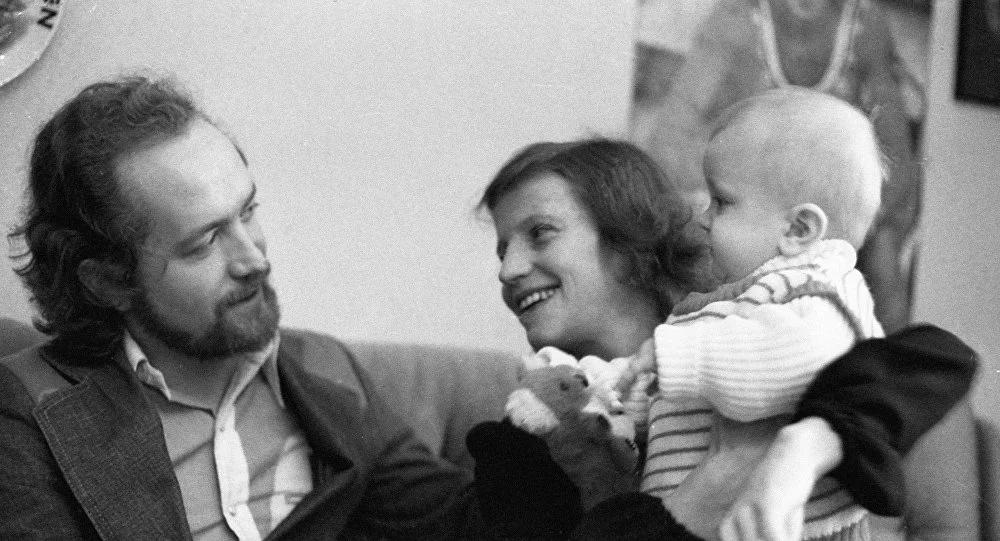 Ольга Корбут с мужем Леонидом Борткевичем и сыном