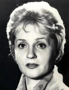 Клара Румянова: почему на ее похороны никто не пришел