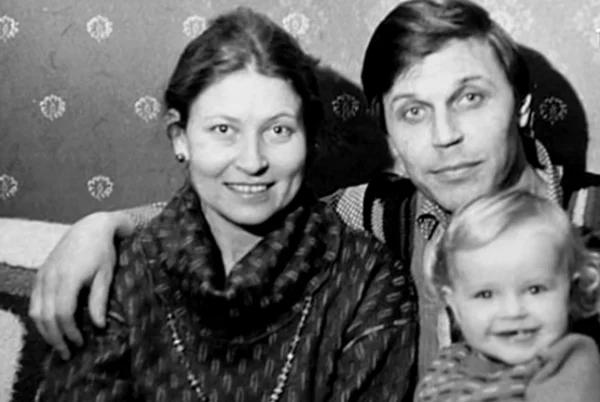 Людмила Зайцева с мужем и дочерью