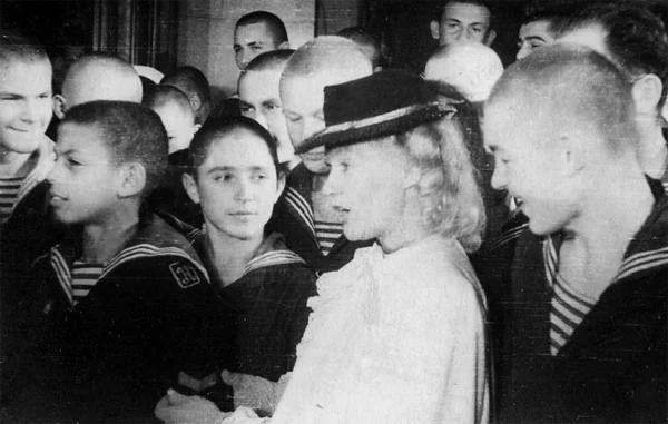 Встреча с экранной мамой Л. Орловой