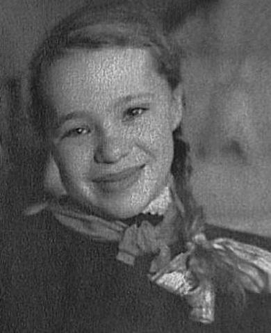 Наталья Белогорцева (Крачковская) в детстве