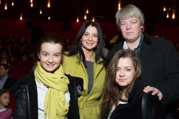 Александра (слева), Екатерина, Александр и Анастасия Стриженовы