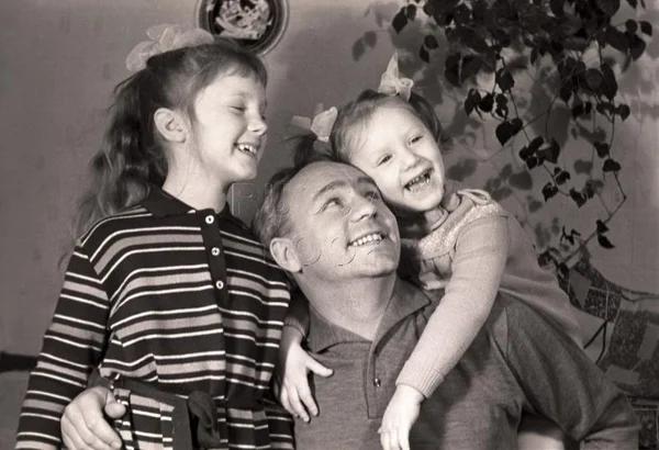 Николай Рыбников с дочерьми