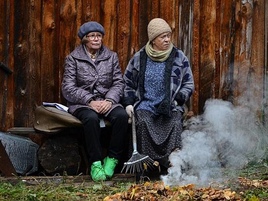 """Марина Неелова и Алиса Фрейндлих. """"Карп отмороженный"""" 2017 г."""