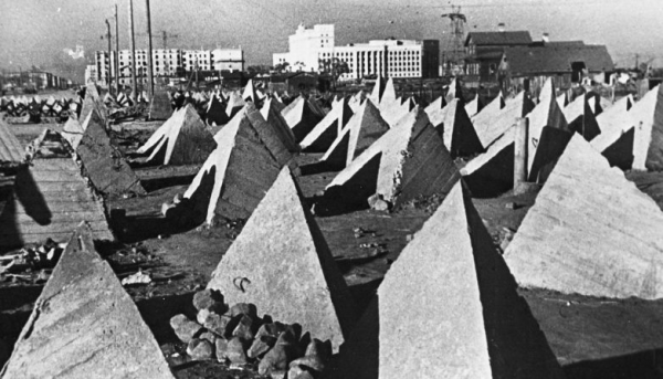 Ленинград, 1942 г., оборонительные сооружения