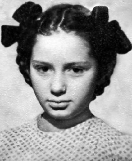 Татьяна Васильева (Ицыкович) в детстве