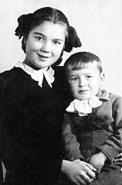 Нина Дорошина с младшим братом Женей