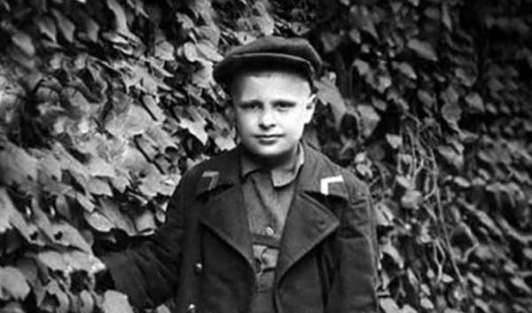 Олег Басилашвили в детстве. Фото uznayvse.ru