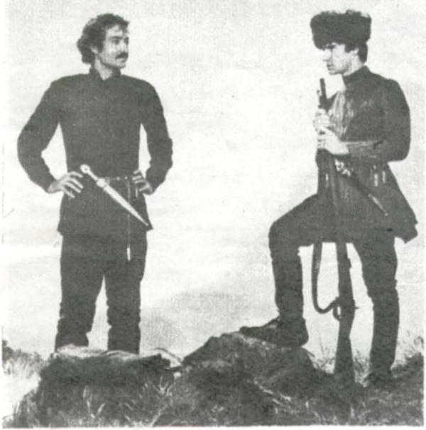 Эльберд (Р. Балаев. слева), Андзор (С. Саблиров)