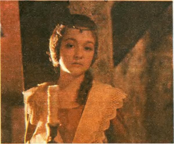 Юную принцессу играет школьница Ирина Малышева