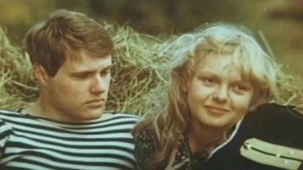 "Александр Кулямин и Маргарита Сергеечева. ""Жил отважный капитан"" 1985 г."