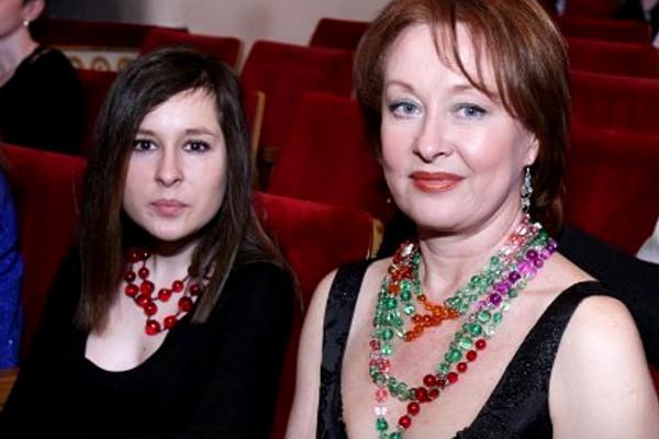 Лариса и Маша Удовиченко
