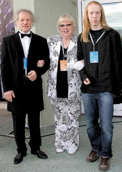 Светлана Крючкова и Александр Молодцов с сыном Сашей