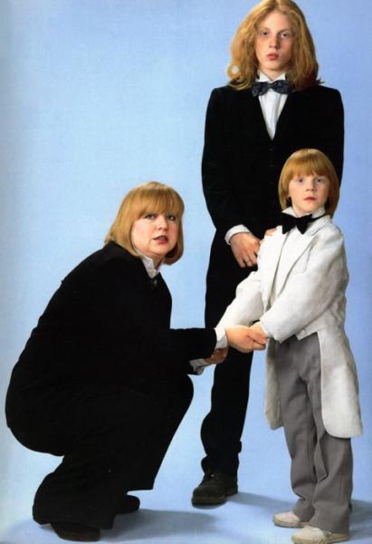 Светлана Крючкова с сыновьями Димой и Сашей