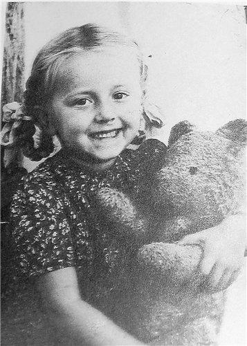 Рита Терехова в детстве
