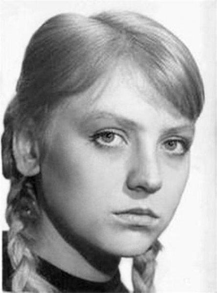 Светлана Крючкова в юности
