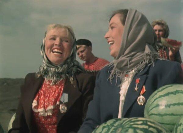 """Клара Лучко и Екатерина Савинова. """"Кубанские казаки"""" 1949 г."""