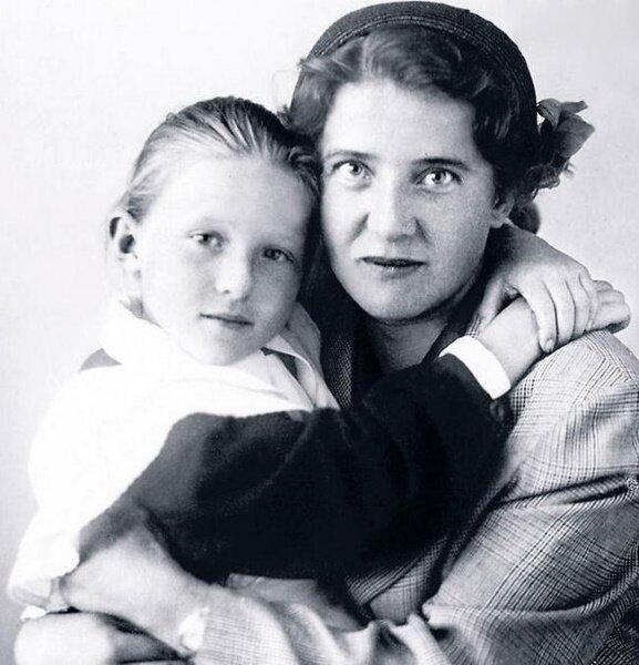 Надежда Надеждина с дочерью Леной